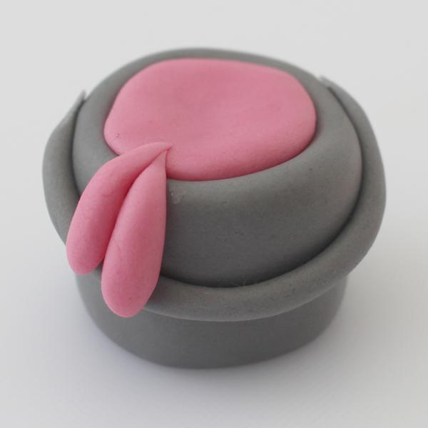 sugarpaste-paint-pot