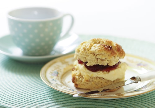 white-chocolate-scone-and-teacup-saucer