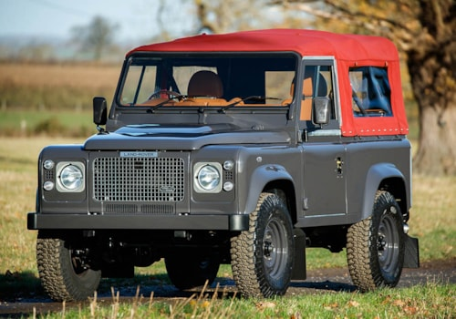 ACHSV Land Rover Defender 90 soft-top front three-quarter