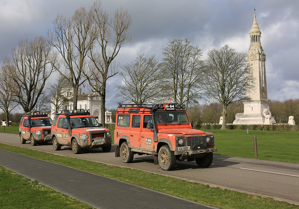 G4 Defender and Discovery 3 in Flanders