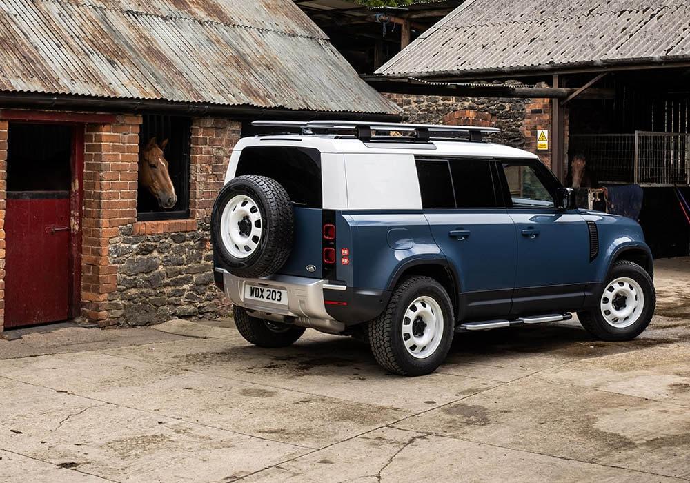 Land Rover Defender Hard Top rear three-quarter