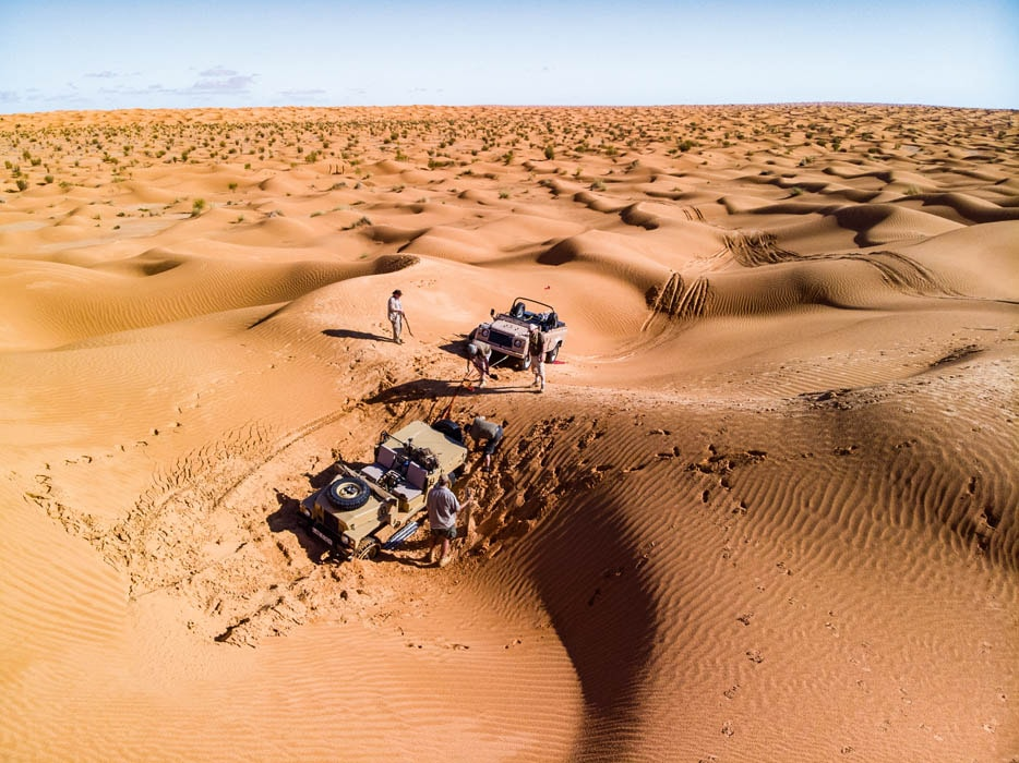 Series III and Defender Wolf stuck in Libyan desert