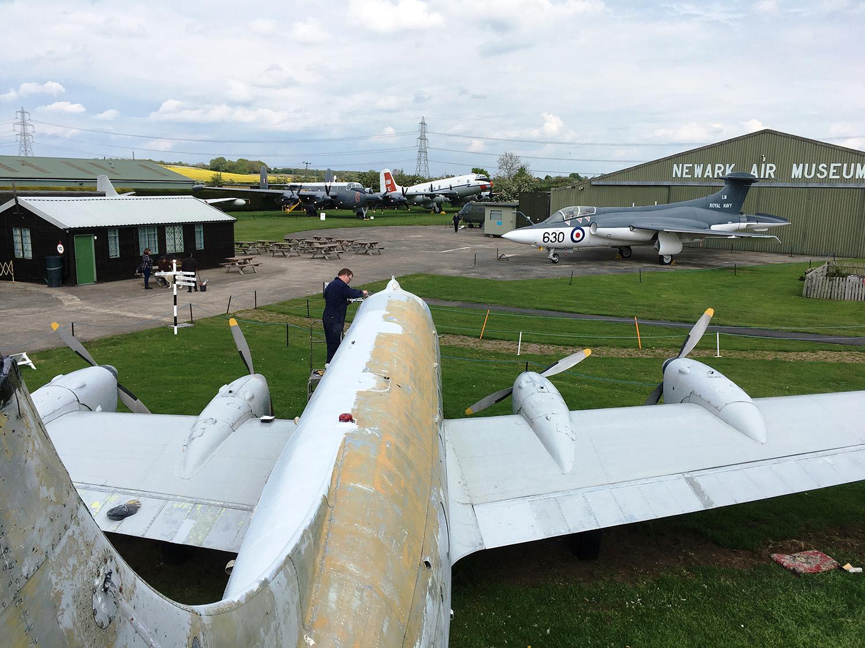 Repainting the Heron at Newark Air Museum