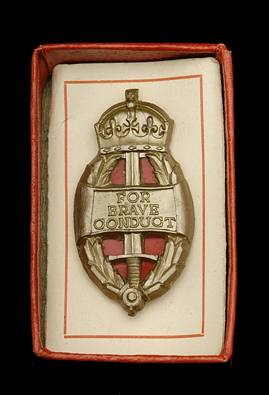 The plastic badge representing the King's Commendation for Brave Conduct, 1943-44