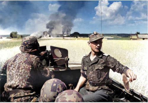 Soldiers of the 5th SS-Panzer-Division Wiking in combat