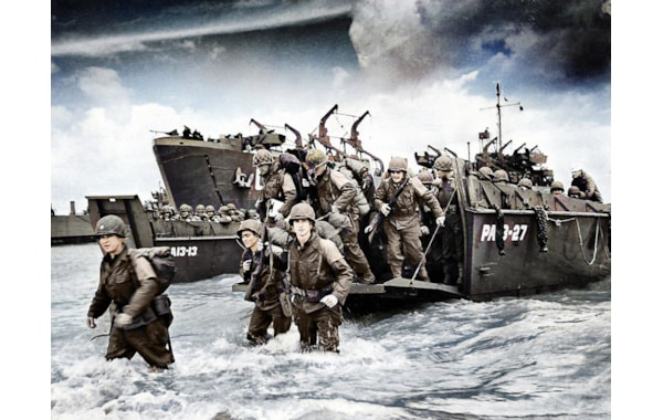 American troops coming ashore on D-Day