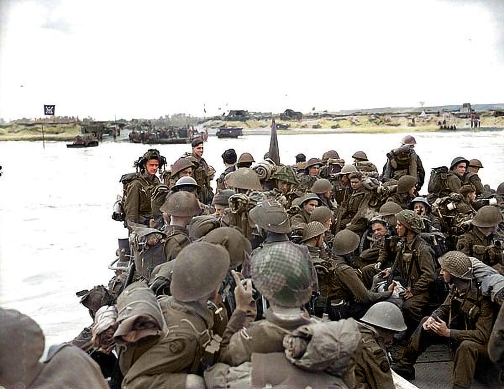 Troops coming ashore