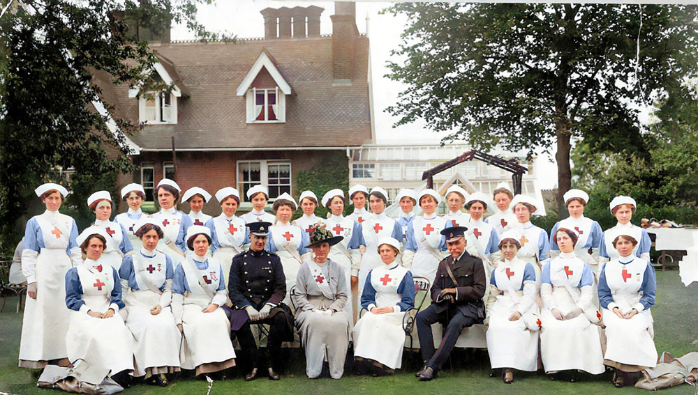 The staff at the Larches VAD hospital – there were over 3,000 auxiliary hospitals under the directorship of the Red Cross