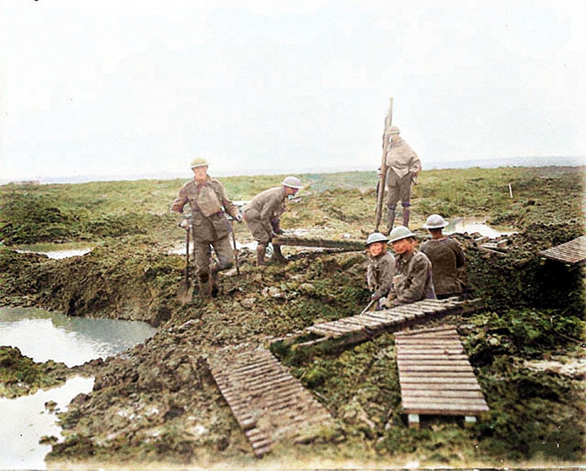 Troops laying duckboards during the 2nd Battle of Passchendaele