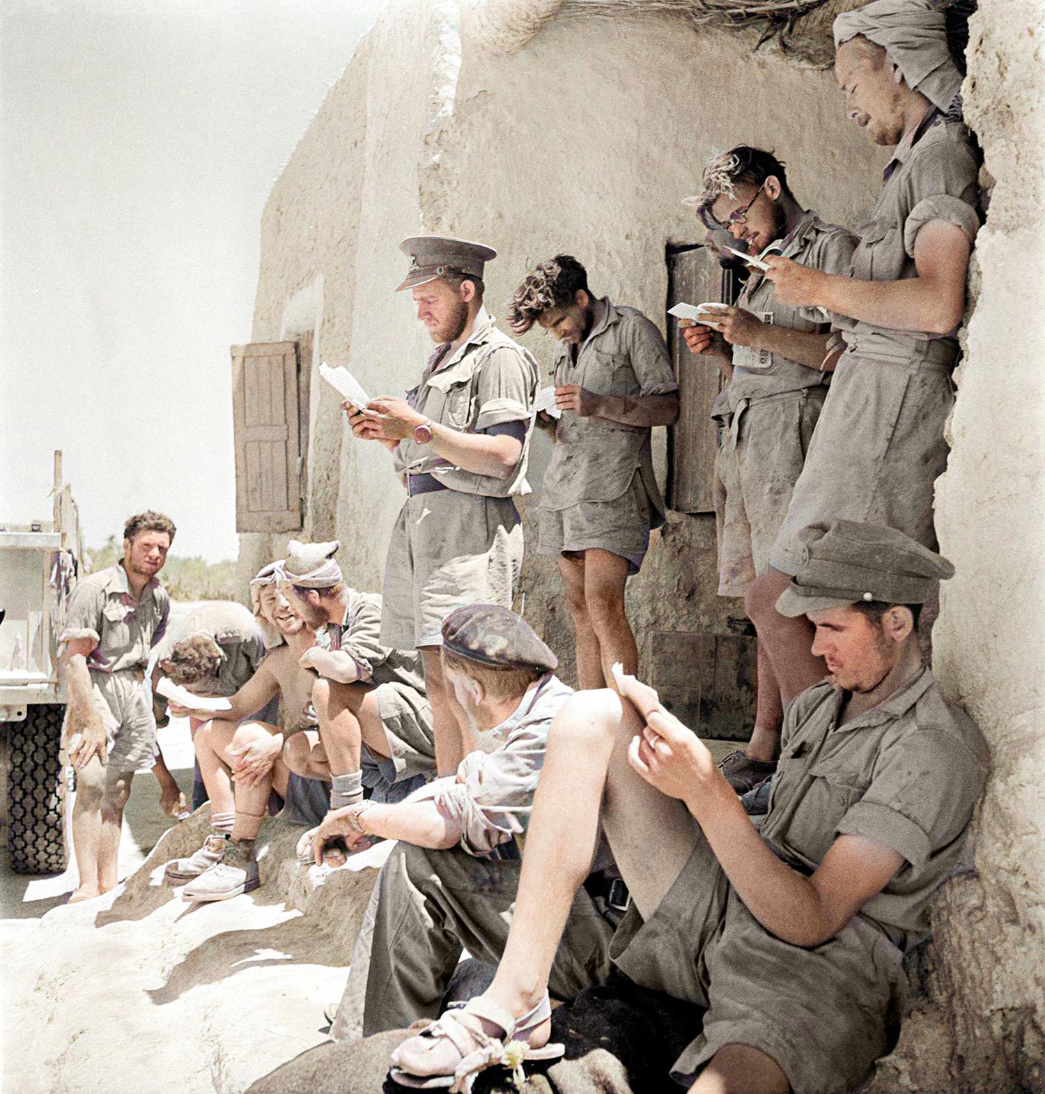 Members of the LRDG showing an eclectic range of headgear