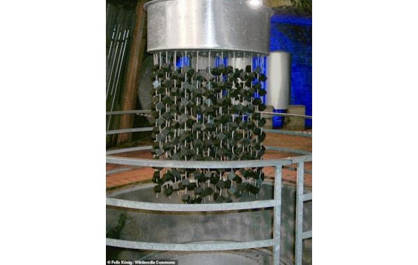 A chandelier of uranium blocks