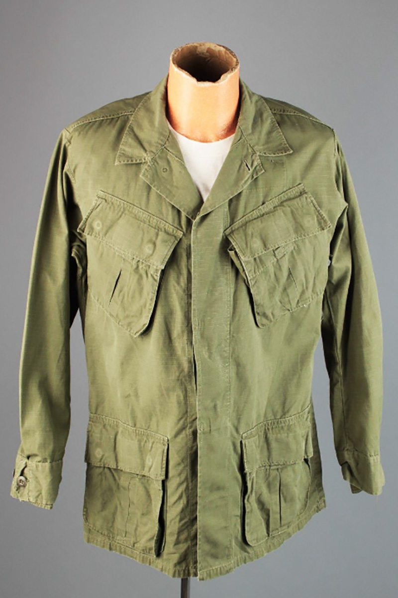 Final version of the US military jungle fatigue coat