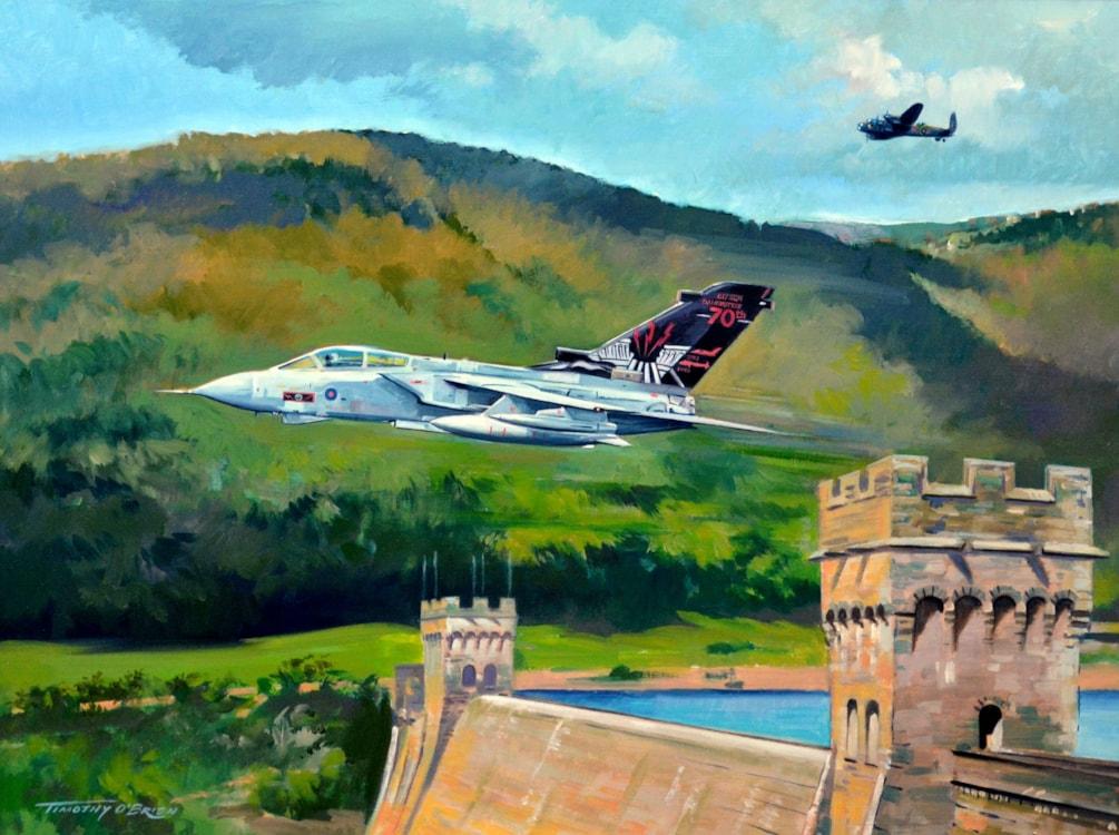 617 Sqn_Tornado & Lancaster_2013