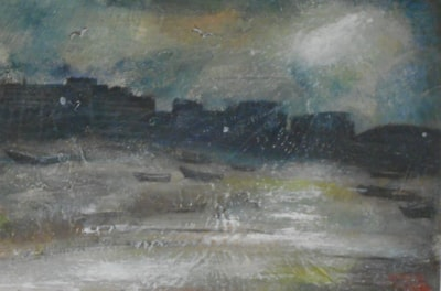 Dark morning, low tide