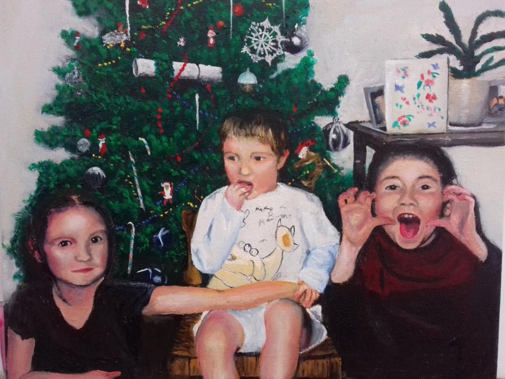 kids at Christmas no photo