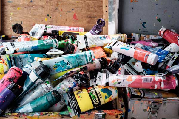 Types of acrylic paints