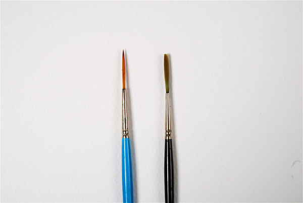 Rigger paint brushes