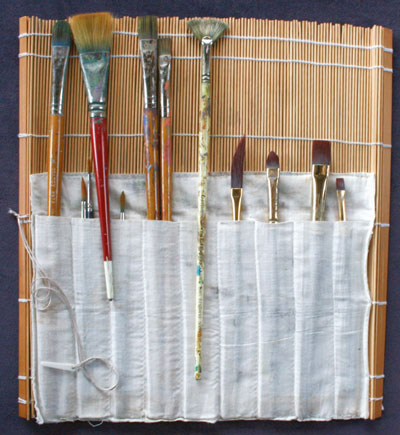Types of paint brushes for acrylics