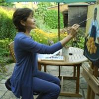 pintando sentada