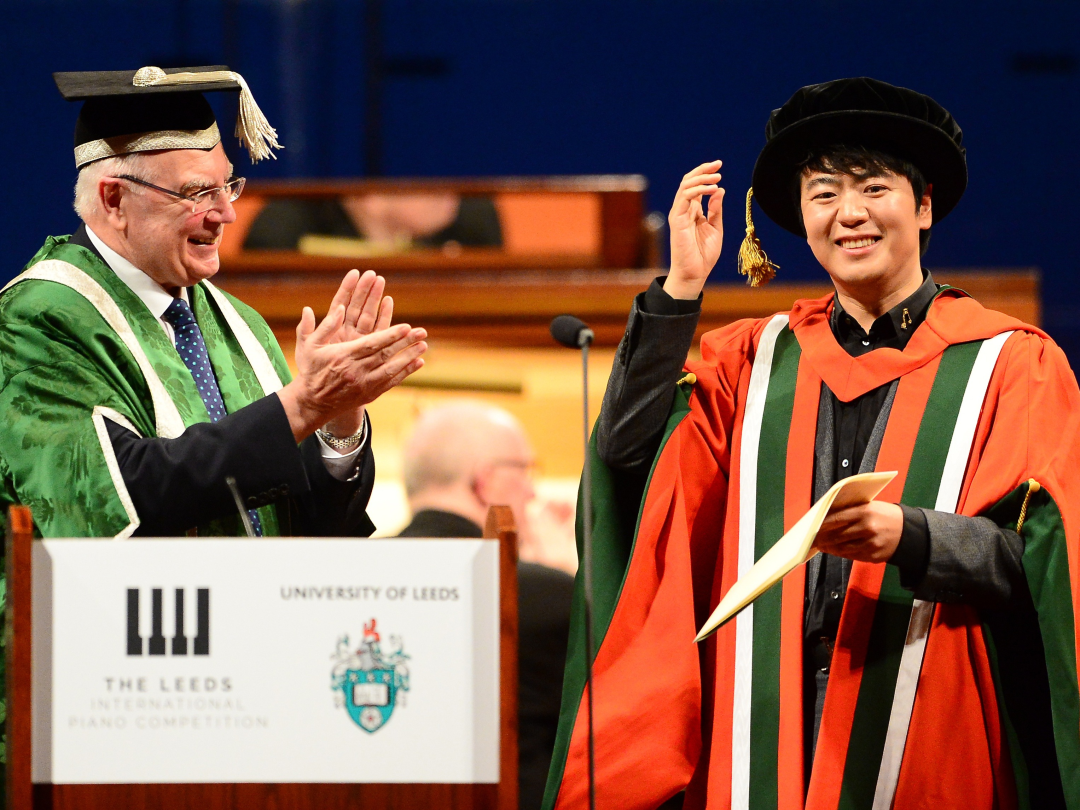 4Lang-Lang-Global-Ambassador-of-the-Leeds-International-Piano-Competition-is-conferred-Doctor-of-M-62948.jpg