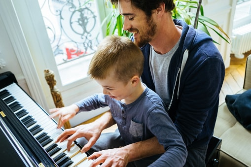 4 ways Dads can support their piano-playing kids