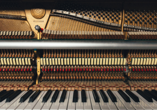 5-unconventional-ways-to-play-the-piano-header-64871.jpg