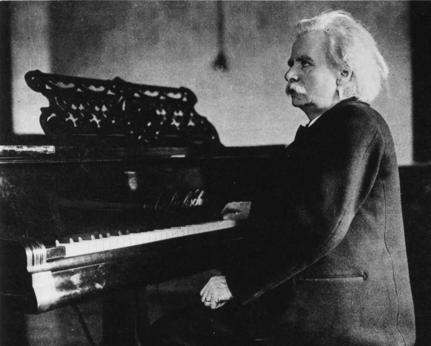10 facts about the great Edvard Grieg - Pianist