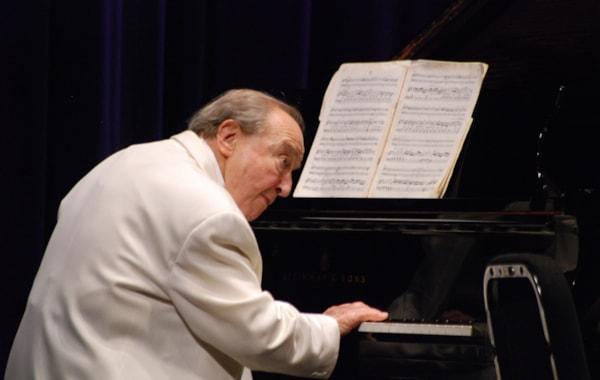 Menahem Pressler playing
