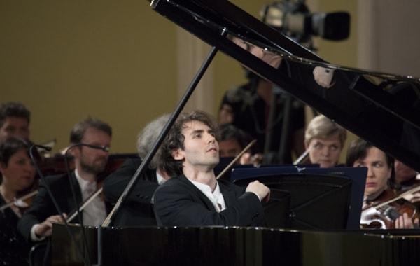 Alexandre Kantorow wins the XVI International Tchaikovsky Competition