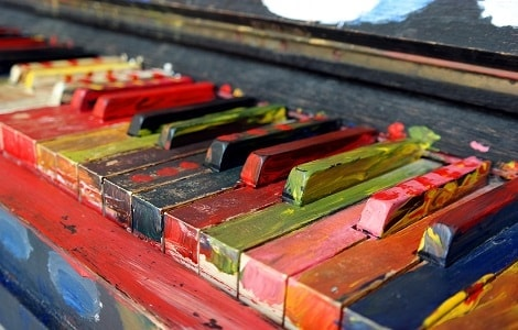 Unusual-ways-to-play-the-piano-80659.jpg