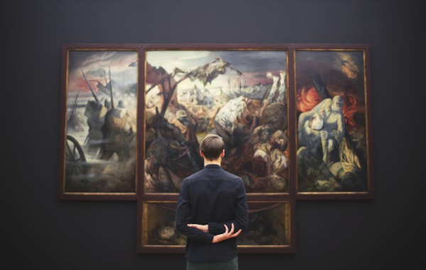 Art gallery student