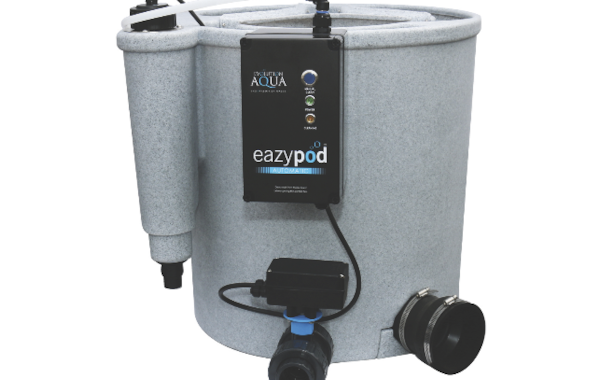The Eazypod UV Automatic features an integrated 18W UVC built in to the inlet section of the filter, helping to clear green water.