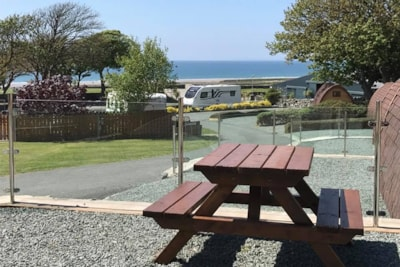 Don't miss this enviable position for a caravan and touring park