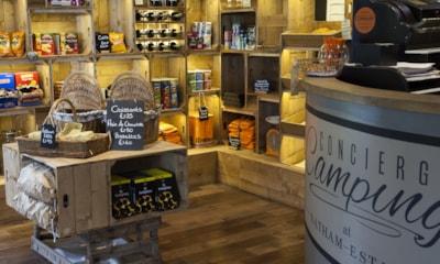 Reception & Shop
