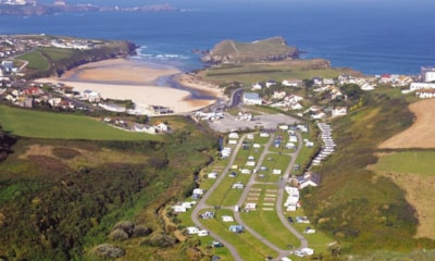Porth Beach is within walking distance of Newquay town centre and about 300 yards from the beach