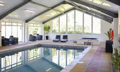 Woodovis Indoor Pool & Jacuzzi