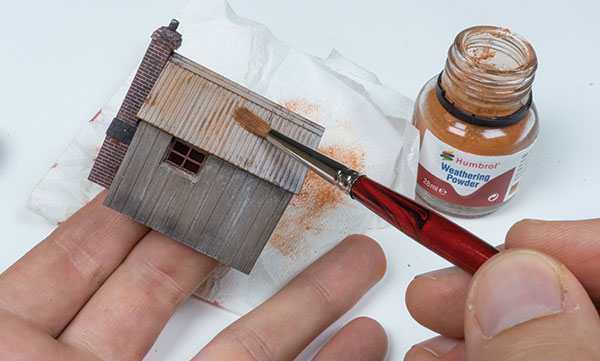 Model Railways: Using Weathering Powders