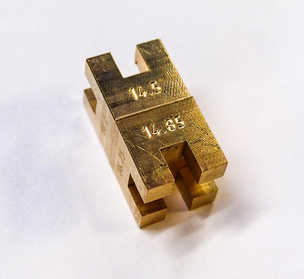 castellated gauge