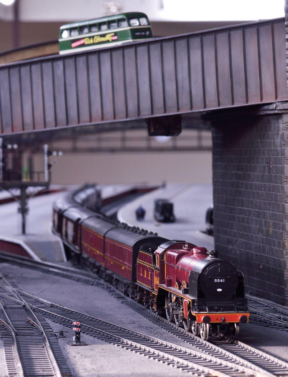 LMS Patriot 5541 TPO train