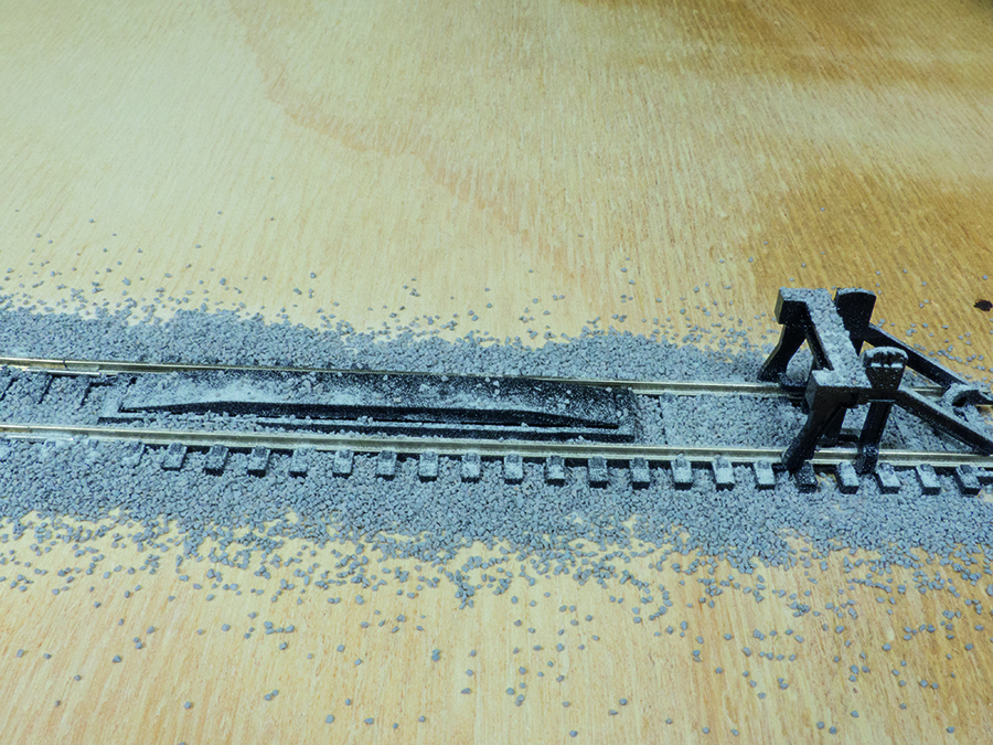 How to lay ballast, model railway, ballast mistakes
