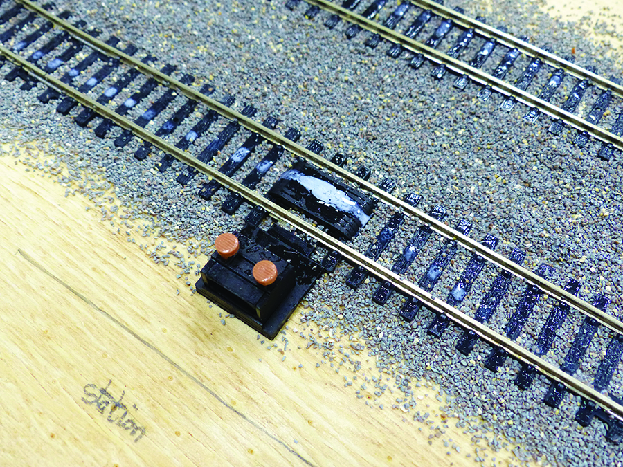 How does a train set work, power clip