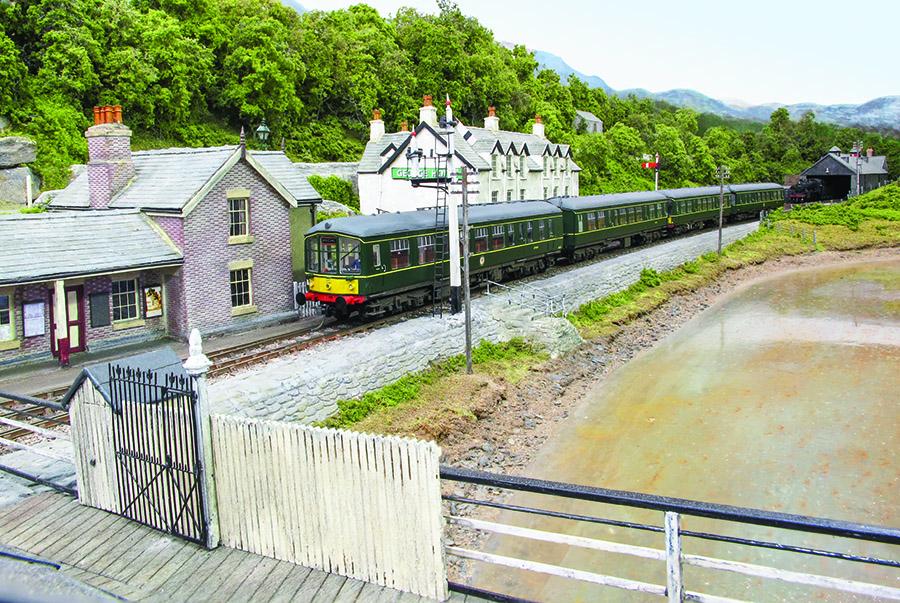 00 Gauge model railway Penmaenpool