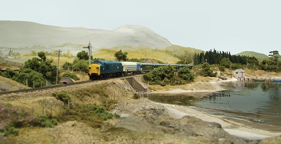 BR blue split-headcode Class 37 grainflow wagons