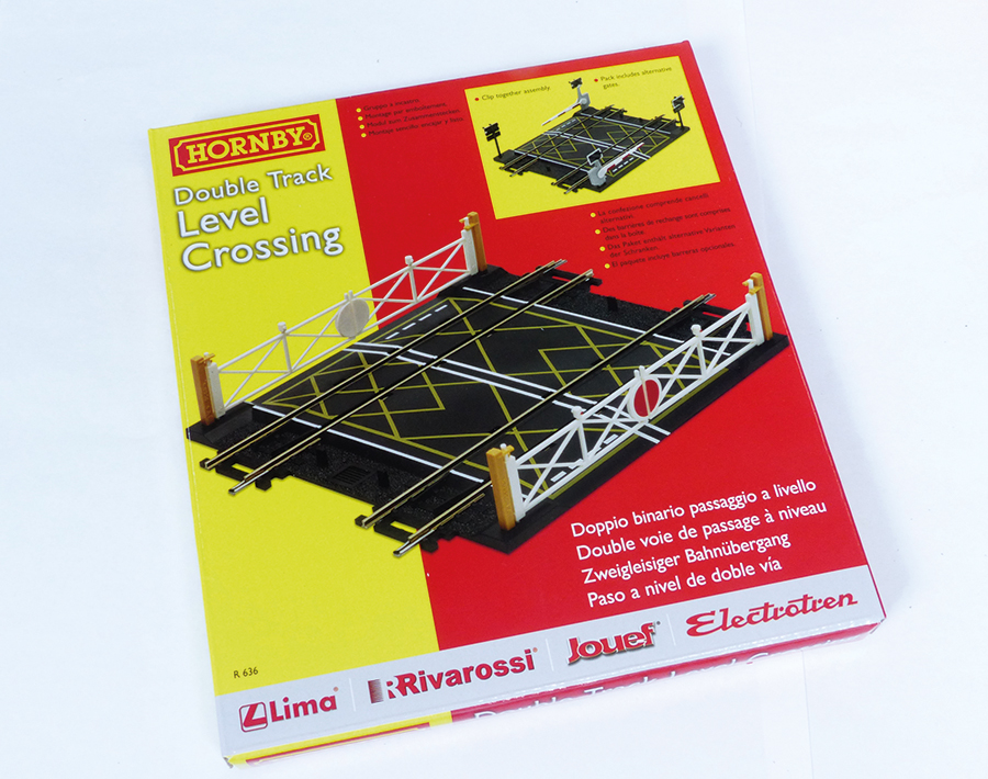 Hornby R636 Level Crossing