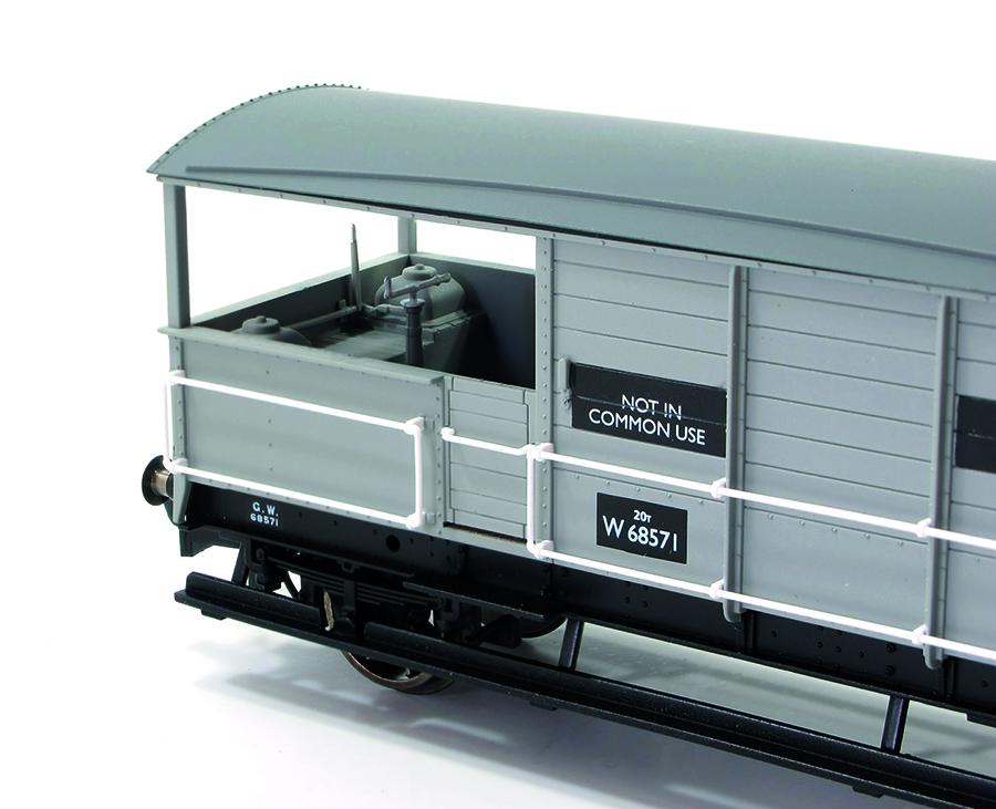 Hornby 20 Ton 'TOAD' Brakevan 00 gauge model railway accessories close up view