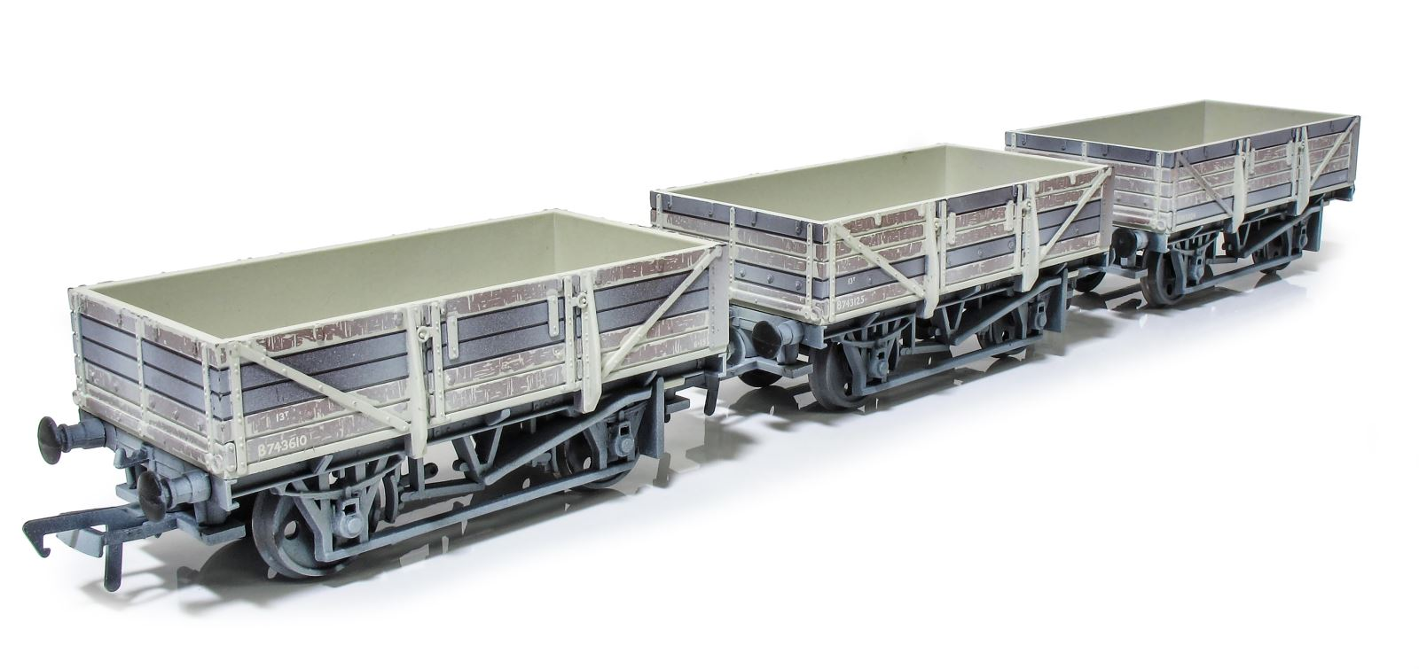 Kernow Model Rail China Clay wagons
