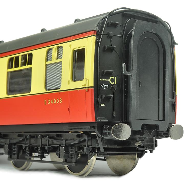 Dapol Lionheart Mk. 1 coach