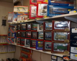 Diecast-and-model-trains-06106.jpg