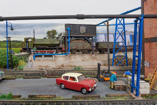 Ellasweet Beet factory in OO gauge