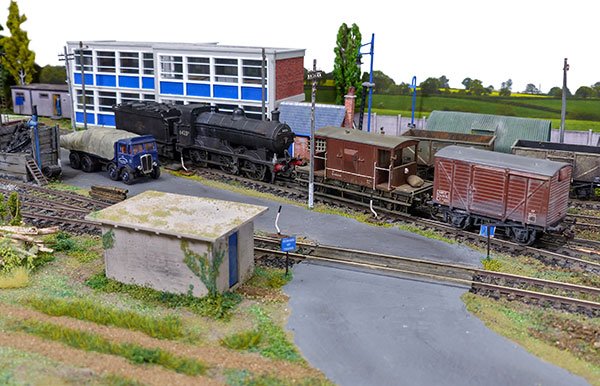 Ellasweet Beet factory in OO gauge
